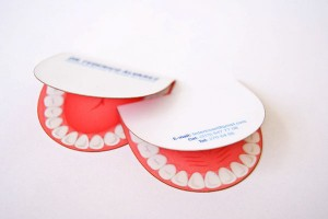 carti de vizita decupate medic ortodont